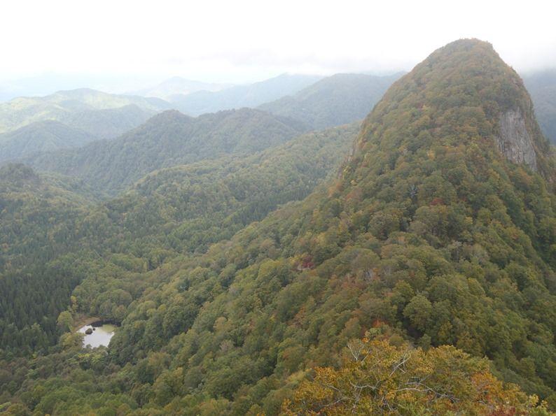 女甑山と名勝沼.jpg