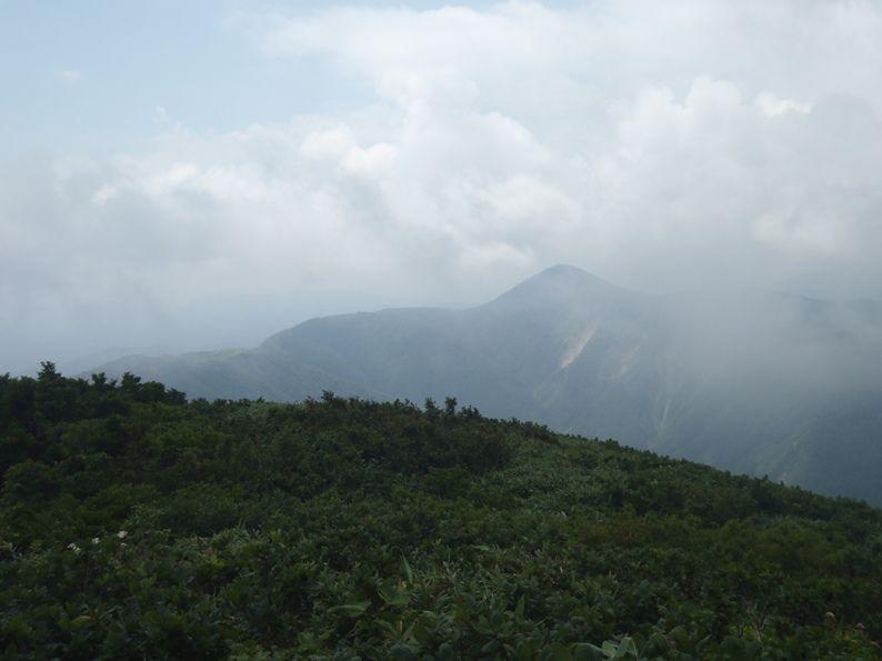 真昼岳から女神岳.jpg