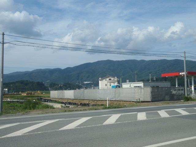 高田松原から氷上山.JPG