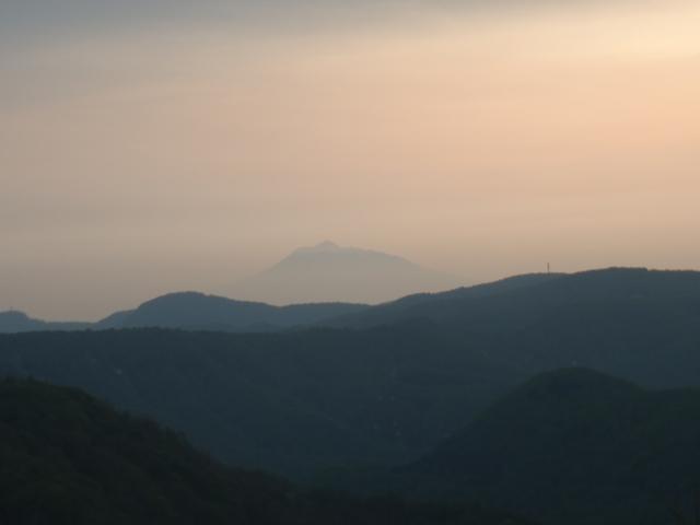 夕暮れの岩木山.JPG