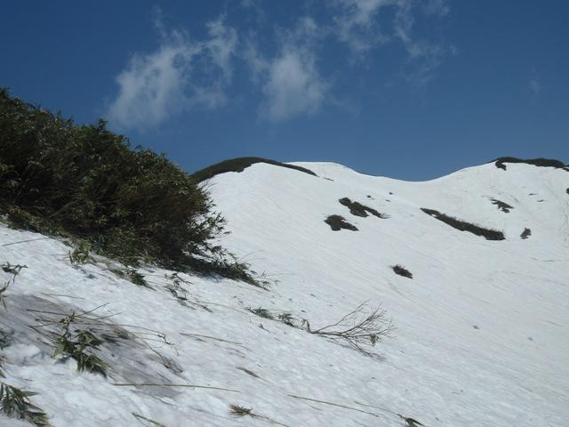 山頂まで後100m.JPG