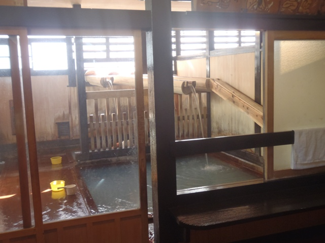鳴子・滝の湯.JPG