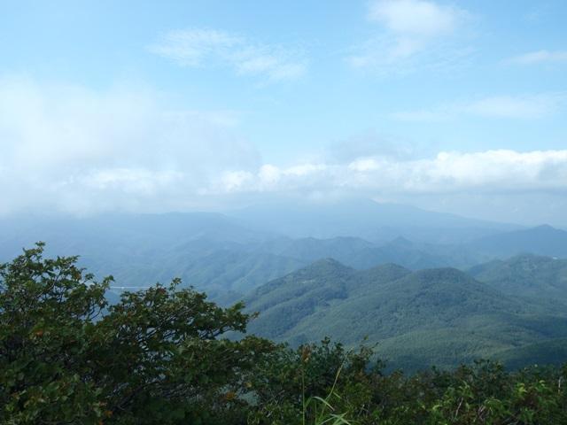 山頂より磐梯山方面.JPG