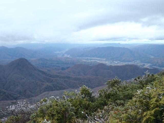 会津田島の谷.JPG