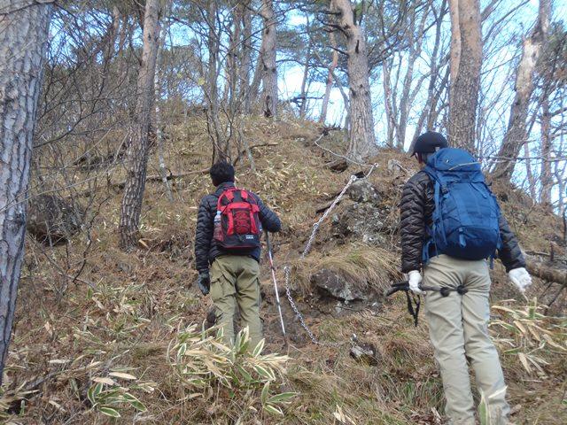 夫婦岩への登り.JPG