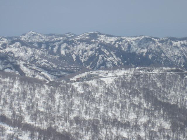 月山スキー場駐車場.JPG