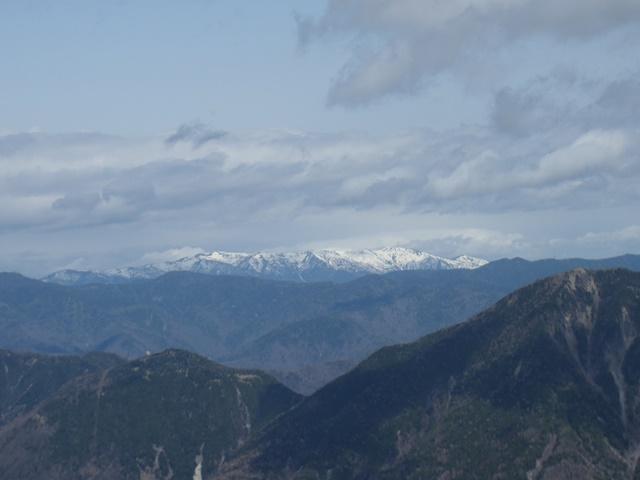 山頂より会津駒ヶ岳.JPG