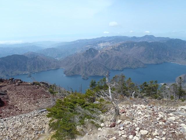 男体山山頂より中禅寺湖.JPG