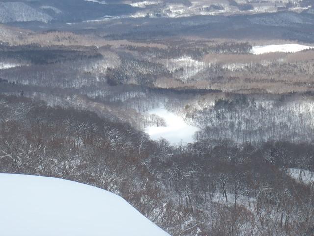山頂から桑沼.JPG