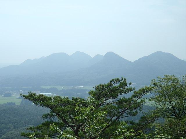 達居森から七つ森.JPG