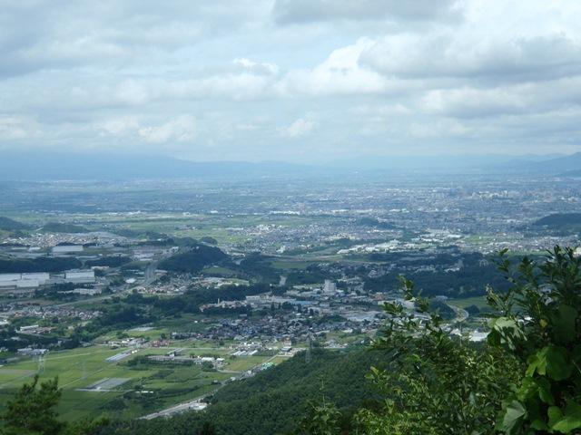 山頂から山形方面.JPG