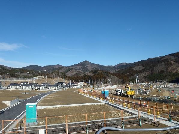 女川復興より石投山.JPG