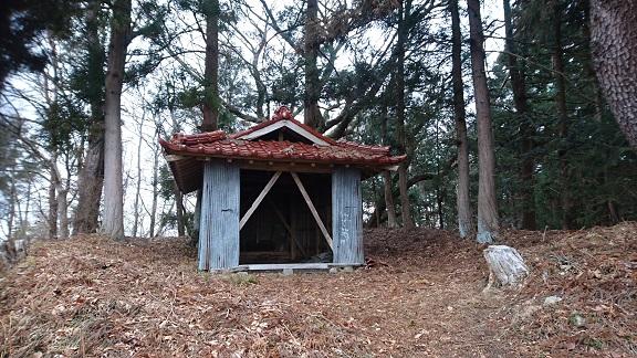 地蔵森の避難小屋?.JPG