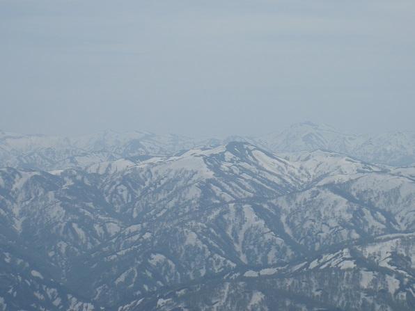 右奥名峰以東岳.JPG
