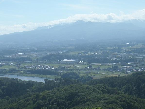 夏油三山・奥は焼石岳.JPG