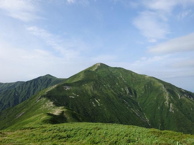 平岩山から大朝日.JPG