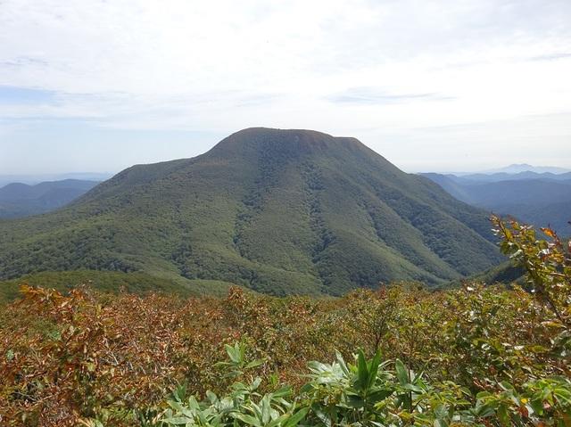 山頂より大東岳.JPG