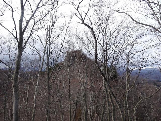 オボコンべの岩峰を振返る.JPG