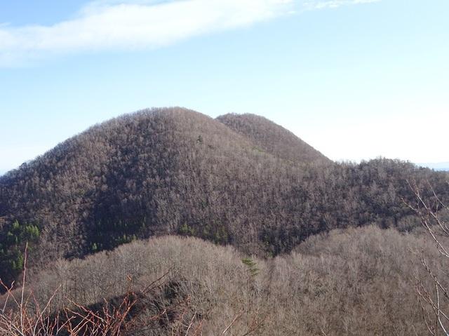 オボコンべ山頂から三森山.JPG