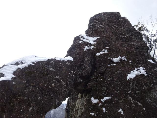 マンモス岩.JPG