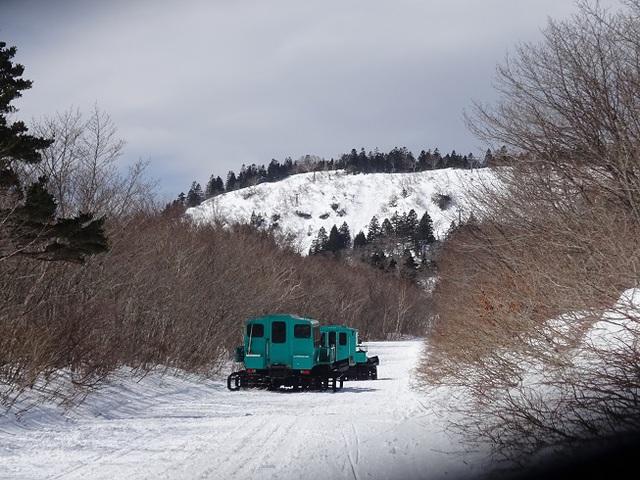 リフト代りの雪上車.JPG