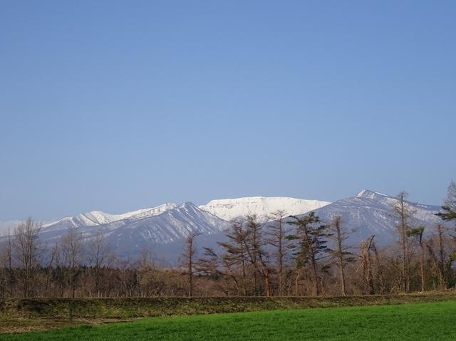 朝の屏風岳.JPG