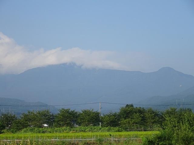 箕輪山と鬼面山.JPG