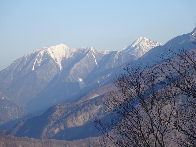 裸山から甲斐駒様.JPG