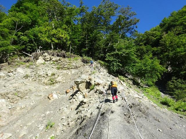 八丁峠への登り.JPG